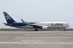 CC-CXL.LIM081114 (MarkP51) Tags: peru lima aircraft aviation lan boeing lim b767300 cccxl jorgechavezinternational