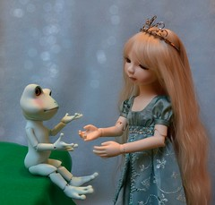 The Princess and the Frog (linda_lou2) Tags: princess mint frog bjd cinderella resin day11 fairytales odc roggie pipos fairytaleillustration 11365 365toyproject kimberlylasher day11365 365the2015edition 3652015 themeno75 11jan15 115picturesin2015 mintroggie