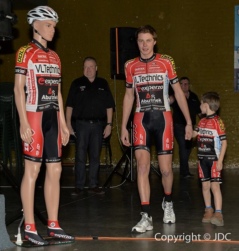 VL-Technicks- Experza Aburtiek Cycling Team (2)