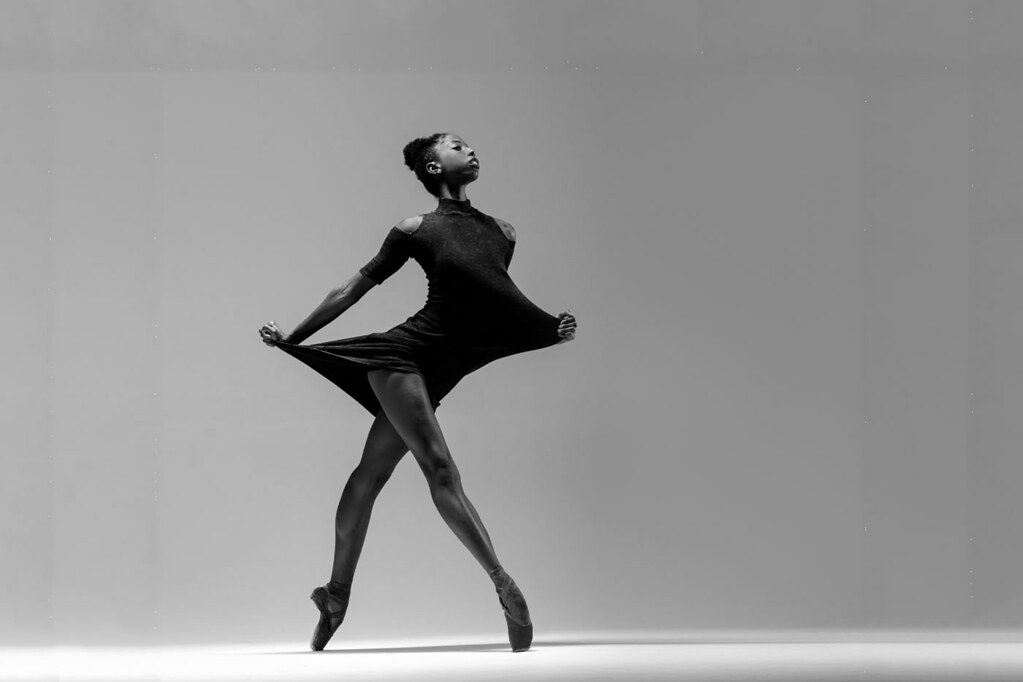 "complexions contemperary ballet essay Free essay: ""it is artistic directors dwight rhoden and desmond richardson's lifelong appreciation for the artistic and aesthetic appeal of the multicultural."