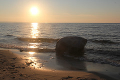 First Rock with the Sun (RPahre) Tags: sunset sun lake beach rock waves michigan greatlakes upperpeninsula lakesuperior picturedrocks picturedrocksnationallakeshore