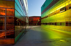 _DSC2253 (durr-architect) Tags: light sun colour reflection netherlands glass architecture modern facade photo border offices almere dfense berkel unstudio