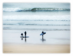 Devon surfing (Carolyn Saxby) Tags: beach silhouette surf waves surfing devon surfboard softfocus wetsuit woolacombe watersmeet northdevon carolynsaxby
