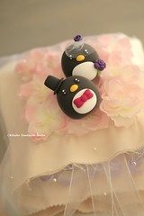 Penguins MochiEgg wedding cake topper (charles fukuyama) Tags: wedding cute penguin custom weddingceremony brideandgroom sculpted manchot pingino  cakedecoration ringpillow  weddingcaketopper claydoll handmadecaketopper kikuike