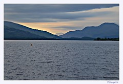 Dusk on Loch Lomond (mistinguette.mistinguette) Tags: blue sunset water dusk frame benlomond lochlomond focalblur trossach