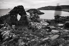 Fantasma scozzese (Matteonibo) Tags: leica longexposure castle scotland ghost mm fantasma duntulm