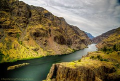 Hells Canyon - The Snake river running through Hells Canyon National Recreation Area          #HDR #HDRPhotography #HellsCanyon #HellsCanyonNationalRecreationArea #Idaho #Landscape #LandscapePhotography #Landscapes #Mountains #Mountainscape #Nature #Natur (raymanningphotography) Tags: usa mountains nature landscape photography landscapes idaho rivers snakeriver northamerica hdr naturephotography mountainscape waterscapes hellscanyon landscapephotography hdrphotography hellscanyonnationalrecreationarea waterscapephotography