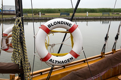 Blondine (Christian Jena) Tags: blondine hafen bodden althagen