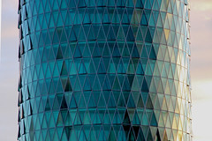 Westhafen Tower, Frankfurt am Main 2016 (Spiegelneuronen) Tags: frankfurtammain architektur westhafentower schneiderundschumacher hochhaus