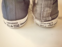 New Converse... Changing the guards. New Project DAY 1 of ... #lifeofconverse (slo.jean) Tags: holes hole heel broken used trashed trashedconverse wet old new ripped worn taylor chuck chucks converse