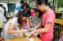 DSC_0617 (roger528852momo) Tags: 2016           little staff person explore summer camp hokuzine ever worker china youth corps ying qiao elementary school arduino robot food processing workshop taipei taiwan roger huang roger528852momo