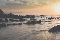 Contraste (jdelrivero) Tags: mar playa sunset arena material atardecer elementos lugares olas roca barrika espaa sea beach elements places puestadesol rock spain elexalde euskadi es