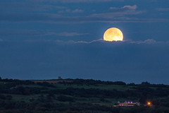 Harvest Moon (ianbonnell) Tags: billinge billingehill billingebeacon sthelens merseyside rainford moon moonrise harvestmoon england uk clouds