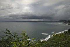 Costa guipuzcoana (Jesus Castañeda del Moral) Tags: guipuzcoa euskadi pais vasco mar tormenta azul