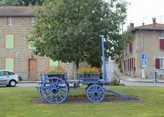 Haute-Rivoire (Rhne) (Cletus Awreetus) Tags: france montsdulyonnais rhne hauterivoire charrette espacevert