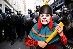 In which the Rubber Duck Daredevil Squadron defy the Met's response to the scary clown craze (Apionid) Tags: scaryclown meme metropolitanpolice rubberduckdaredevilsquadron werehere hereios nikond7000 366the2016edition 3662016 day286366 12oct16 publichysteria