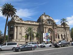 "Santiago: le musée des Beaux-Arts <a style=""margin-left:10px; font-size:0.8em;"" href=""http://www.flickr.com/photos/127723101@N04/30308416795/"" target=""_blank"">@flickr</a>"