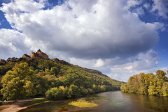 Chateau Castelnaud (Photograferry) Tags: trees france castle history sunshine clouds river french landscape warmth dordogne medieval castelnaud chateau prigords