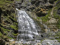 Cola de Caballo (AeRoWings) Tags: nature water waterfall bautista pyrenees pirineos ordesa cascada coladecaballo