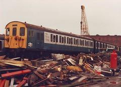 501135 (ee20213) Tags: br emu scrapyard britishrail slamdoor dtbs class501 75135 vicberry 501135 braunstongate
