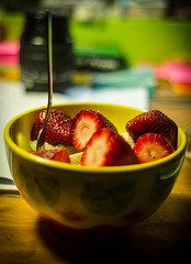 "Postre de Frutas • <a style=""font-size:0.8em;"" href=""https://www.flickr.com/photos/32701523@N06/15852299288/"" target=""_blank"">View on Flickr</a>"