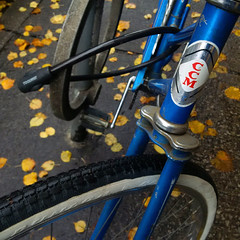 Blue CCM (JeffStewartPhotos) Tags: toronto ontario canada bike bicycle square blackberry photowalk locked ccm z30 torontophotowalk topw bb10 torontophotowalks exhibitionclosingwalk topwecw