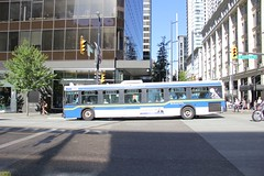1999 New Flyer D40LF #995 (busdude) Tags: new west bus lines vancouver flyer 1999 municipal 995 d40lf