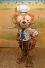 Meeting Ptissier Duffy (dufbone) Tags: capecod duffy tokyodisneysea americanwaterfront villagegreetingplace