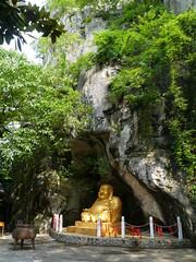 Fubo Shan, Guilin (Niall Corbet) Tags: china shrine guilin buddha limestone karst guangxi fuboshan