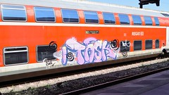 Graffiti (Honig&Teer) Tags: railroad streetart train graffiti hannover db vandalism deutschebahn hbf treno bombing aerosolart spraycanart traingraffiti trainart railroadgraffiti dbregio honigteer