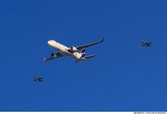 Chegada da Chama Olímpica em Brasília-DF (Força Aérea Brasileira - Página Oficial) Tags: brazil brasília df bra céu boeing avião chama esplanada jogos 2016 piloto olímpica olímpicos caça olimpíadas f5em interceptação aviacaodecaca fotoalexandremanfrim
