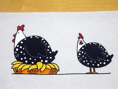 Pano de Prato Pintado à mão Galinhas D'angola. (Ideias no Rabisko) Tags: arte artesanato artesanatoemgeral animais presentes panodepratopintado panodeprato casa casamento cozinha lar galinha noivas enxoval vendasonline