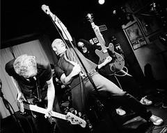 Motocicln (Buzo666) Tags: punk punkrock hardcore performance jokepunkrock peopleperformingarts music concert exhibition artista gente interior surrealista fondonegro msica concierto msico heavy metal heavypunk heavypunkdedescampo rockpalace retrato monocromtico monocrome blackandwhite blancoynegro