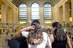 GCT, women, hair. (wwward0) Tags: cc grandcentralterminal indoor manhattan midtown nyc women wwward0 newyork unitedstates us