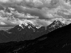 Mountain Range (Ladakh range in all likelihood) (Lazybug) Tags: ladakh mountainrange ladakhrange lumixg5 clouds nature 45200mm