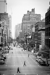 . ([ chang ]) Tags: wwwriccardoromanocom bw bn blanco negro bianco nero black white byn blackandwhite people person persona gente persone street shot streetshot newyork