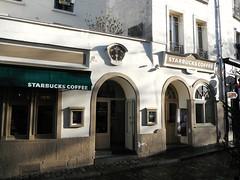 Paris - Rue Norvins (Aelo de la Krotsche) Tags: paris montmartre starbucks starbuckscoffee ruenorvins starbucksmontmartre