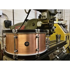 6.5X14 Copper Plate with dark red mahogany stained maple hoops. It sounds as good as it looks. You'll find this amongst some other beautiful drums at one of our favorite drum shops in Portland, OR @revivaldrumshop #qdrumco #copper #snare #revivaldrumshop