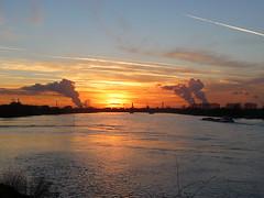 Sunset on the Rhine (fishy_) Tags: sunset industry river germany boat sonnenuntergang fluss rhine rhein industrie schiff monheim