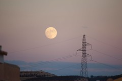 Moon (Bob Bain1) Tags: sunset sky moon night spain space science pylon fullmoon themoon mazarron camposol canon550