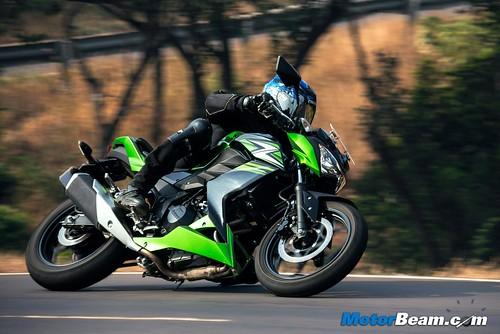 2015-Kawasaki-Z250-14