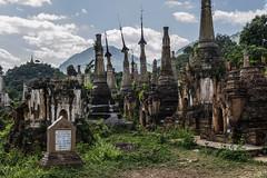 Inn Thein (guillenperez) Tags: lake lago inn ruins asia state burma buddhism ruinas myanmar inle southeast shan estado chedi budismo sudeste stupas asiatico shwe birmania dein thein estupas