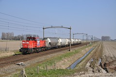 DBC 6518 met silowagens, Zevenbergen, 17-03-2016 (Michael Postma) Tags: db cargo 6400 zevenbergen 6500 silowagens