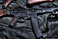 Sturmgewehr 44 (Steve.T.) Tags: gun weapon shooter iconic reenactment machinegun secondworldwar worldwartwo assaultrifle automaticweapon stg44 militaryshow sturmgewehr44 templeatwar taw16 templeatwar2016