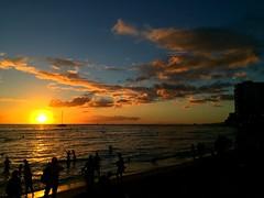 #waikikibeach #Hawaii #Sunset (eric99350313) Tags: sunset hawaii waikikibeach