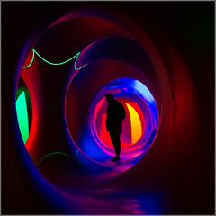 Rennes - Katena - 5 (Herv Marchand) Tags: light shadow red portrait green circle back colours curves outtakes surreal bretagne week 19 rennes thabor katena canoneos7d 522016