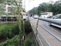 carro cai blumenau (1) (JAIME BLUMENAU SC) Tags: rio acidente capotamento blogdojaime caiunorio carrocaiunorio