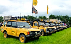 "Club ""Camel Trophy"" - Land Rover Discovery(s) & Land Rover Defender(s) (Ali Mannan) Tags: landrover camel cameltrophy caneltrophyownersclub rangerover landroverdiscovery landroverdefender"