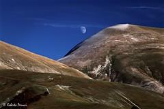Pianeta verde (BIO_MA Roberto Perucci) Tags: landscape scenery tramonto luna paesaggi montagna sibillini parconazionale