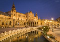 Sevilla 002 (-COULD 2.0) Tags: canon650d sigma1750 spain andalucia agua sevilla plazaespaa